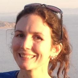 Headshot of Laura